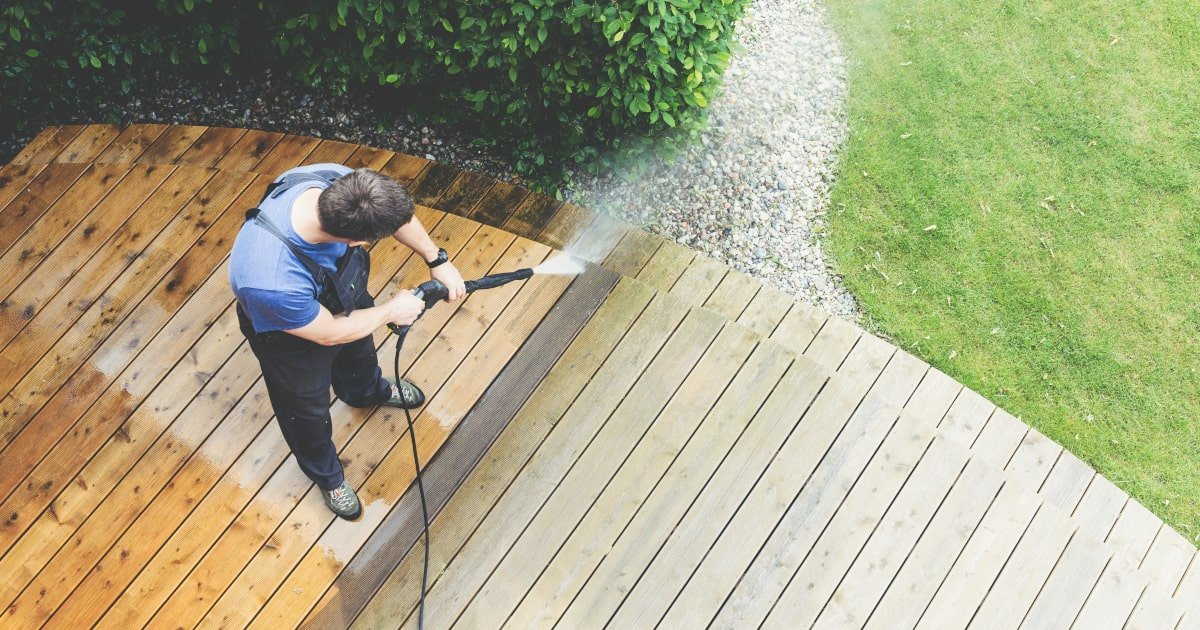 How to Get Your Wood Deck Clean With a Pressure Washer