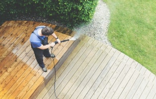 How to clean your dirty deck with a pressure washer in a few easy steps