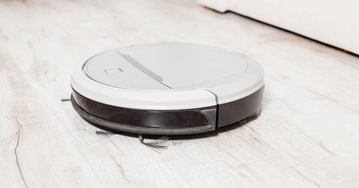 Should You Get A Robot Mop Cleanup Expert Tips