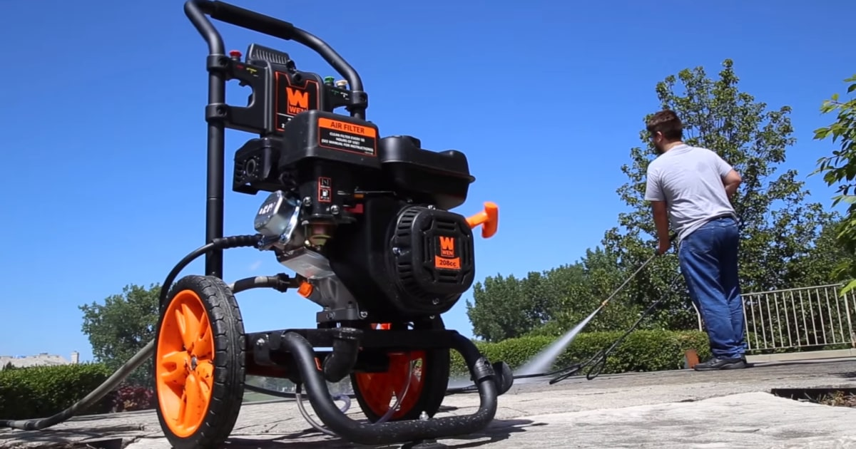 Best Gas Pressure Washers of 2019 - Reviews and Engine Comparisons