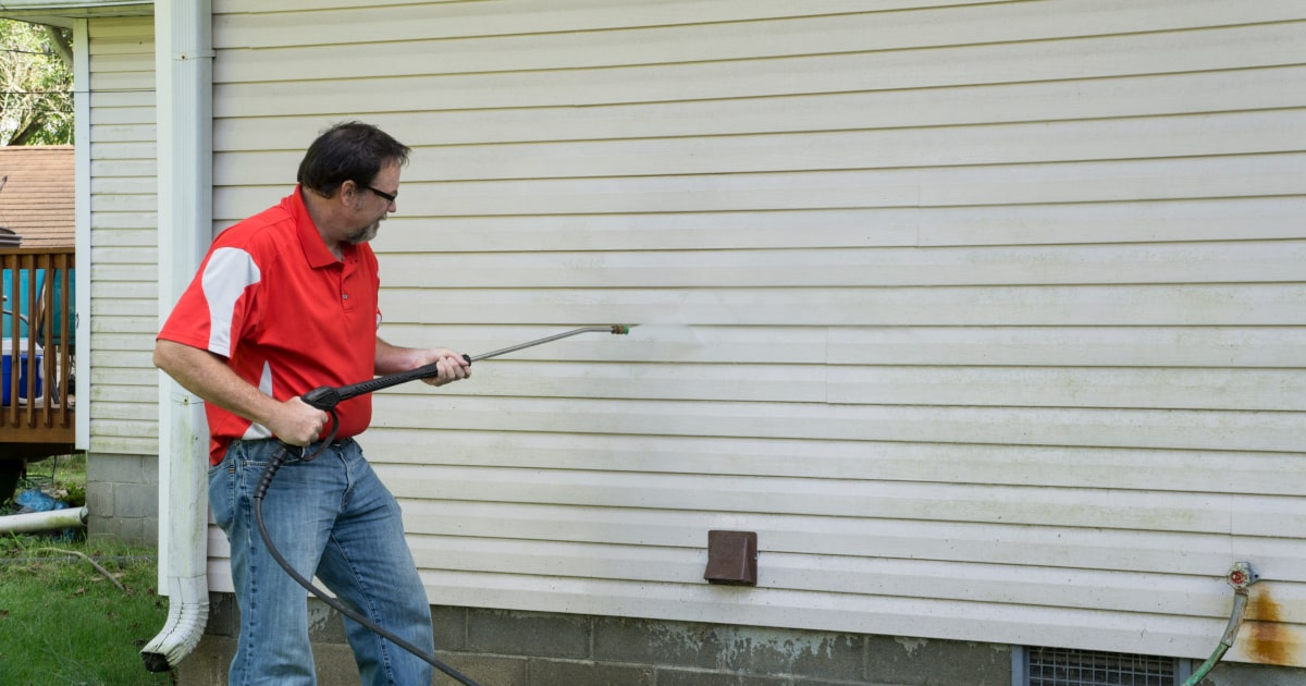 How to Clean Vinyl Siding - Pressure Wash it with Our Easy Tips