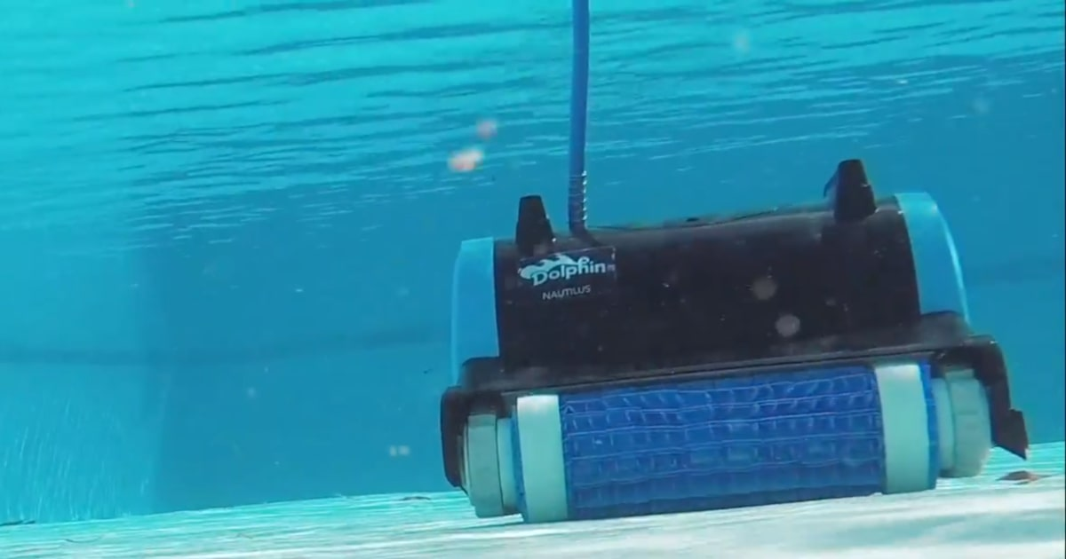 The Dolphin Nautilus Robotic Pool Cleaner Our 2019 Review
