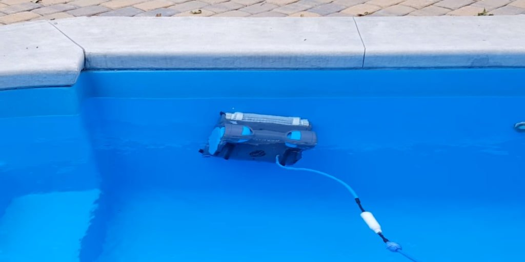 2019 Review: The Dolphin Premier Robotic Pool Cleaner