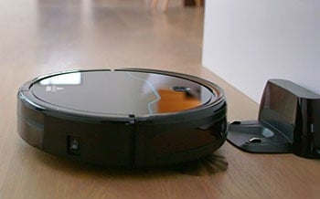 Many other robot vacuums at this price point are unable to return to its docking station but EV675 is able to do that.