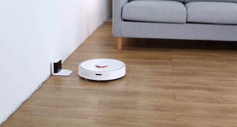 The Roborock S5 is the second generation of robot vacuums produced by Xiaomi.