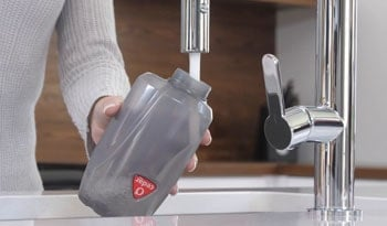 Detachable water tank is the convenient feature.