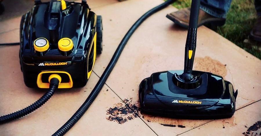 McCulloch MC1375 cleans the tiled floor.